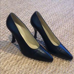 Charles Jourdan classic black heels